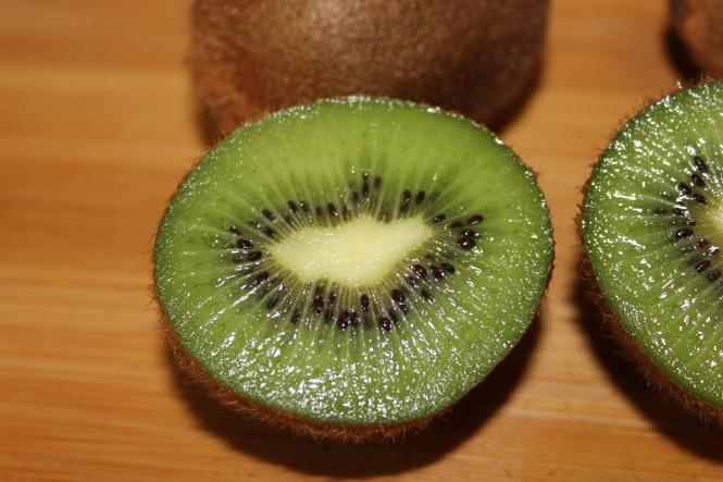 kiwifruit-kiwi-fruit